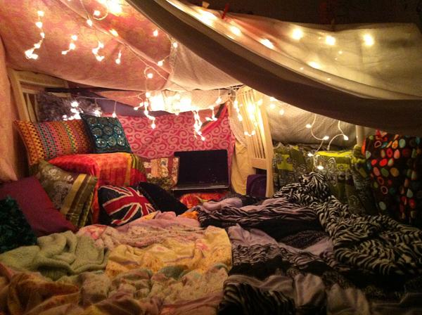 blanket_fort